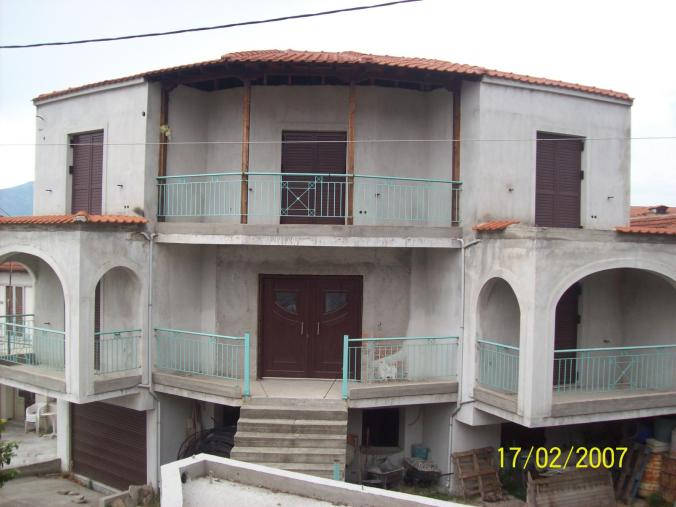 Detached 2 floor house at parcel of 160 sqm,year of construction 2005 , magnificent view to Pieria mountains and Polifitos lake (Aliakmonas river)