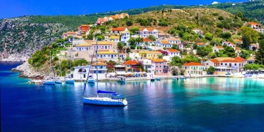 https://exploringgreece.tv/destinations/assos-to-paramythenio-chorio-poy-akoympa-sti-thalassa/14723/#.Xp7DZWYzbct
